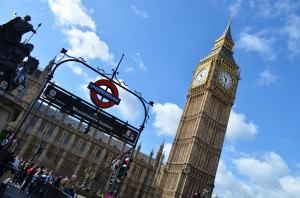 Big Ben et l'entrée du métro